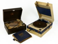 1940s cased Decca 50 wind-up gramophone (in working order); together with a His Master's Voice