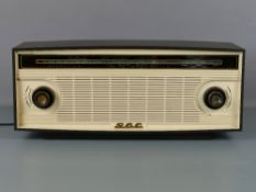 "GEC-BC402 valve radio in two-tone Bakelite case, 20.5"" wide, 9"" high (untested and sold as seen)"