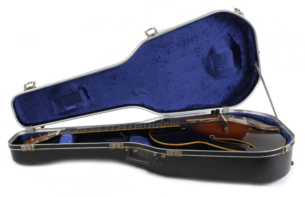 1984 Andy Manson Dove archtop guitar, made in Crowbrough, Sussex, England; Finish: sunburst, small - Image 3 of 11