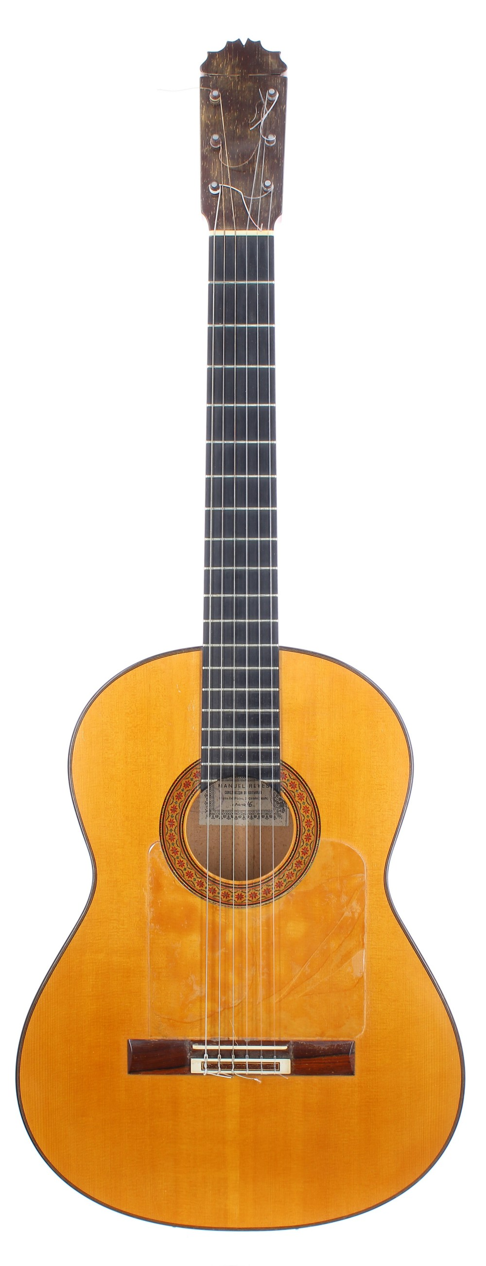 1976 Manuel Reyes Flamenco guitar, made in Cordoba, Spain; Back and sides: cypress; Top: spruce with