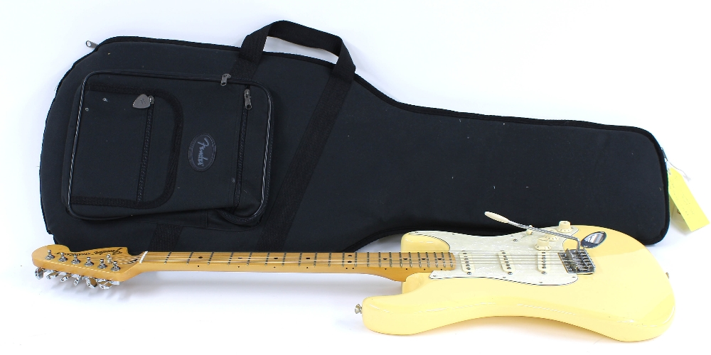 2014 Fender Deluxe Roadhouse Stratocaster electric guitar, made in Mexico, ser. no. MX14xxxxx7; - Image 3 of 3