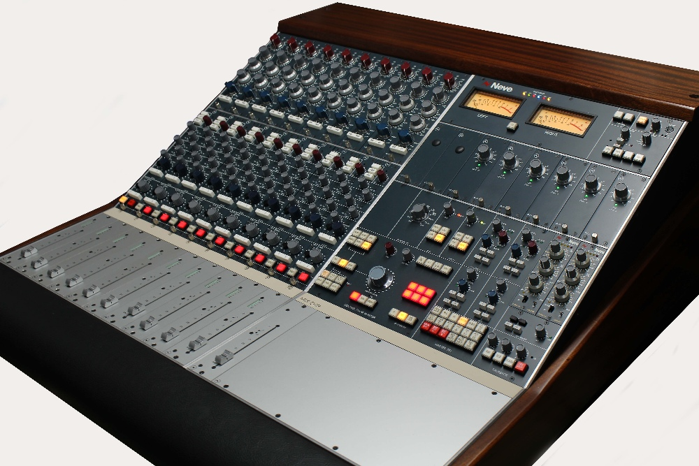 Neve BCM10/2MK2 10 channel analogue mixing console, made in UK, with upgrade 1073 classic hand wired - Image 2 of 2