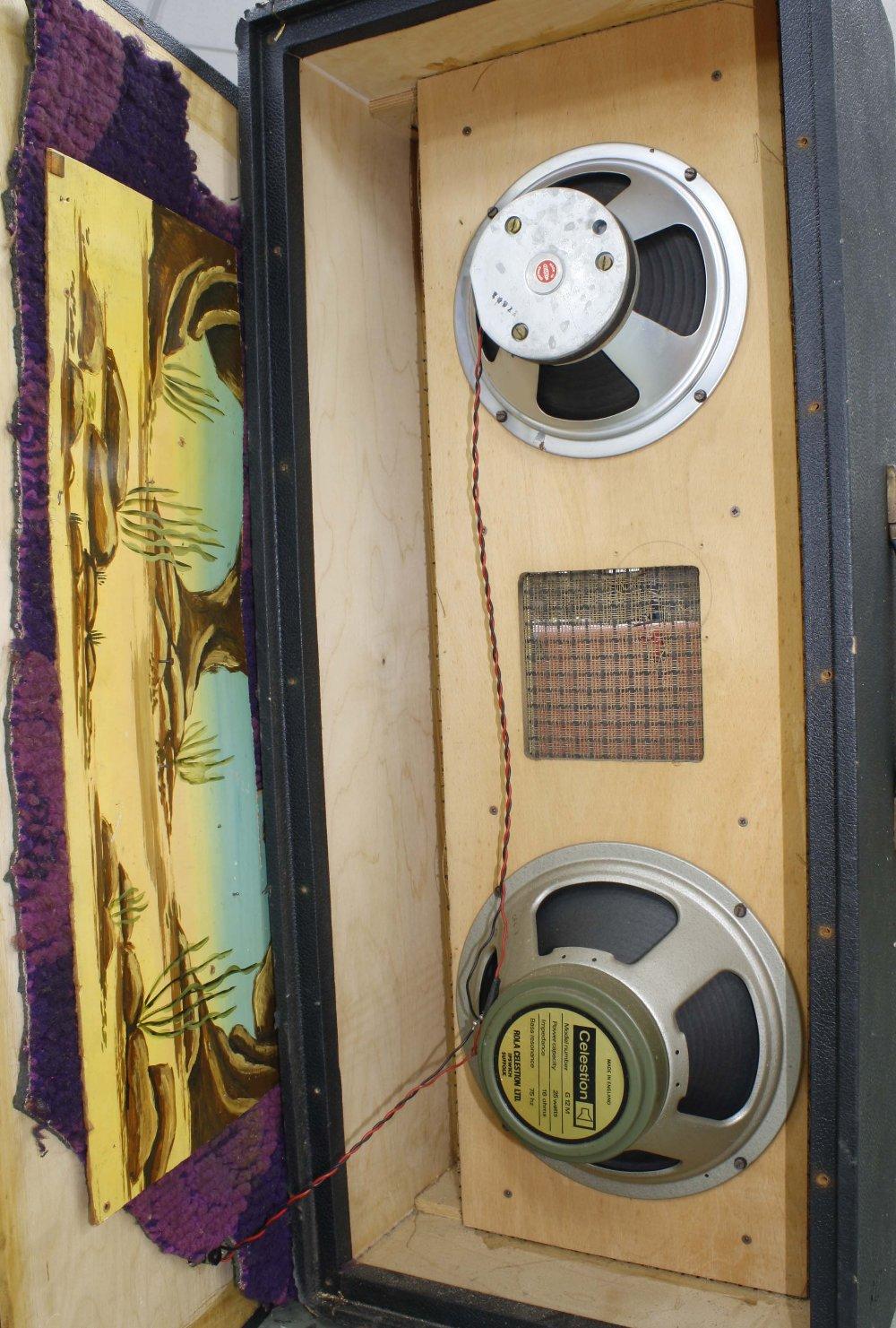 "Marshall column speaker cabinet enclosing a Celestion T1927 10"" speaker stamped BF22V and a - Image 3 of 3"