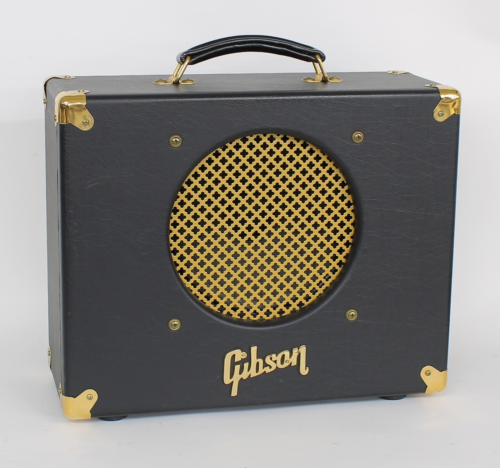 Gibson Goldtone GA-15 guitar amplifier, made in USA, dust cover and manual