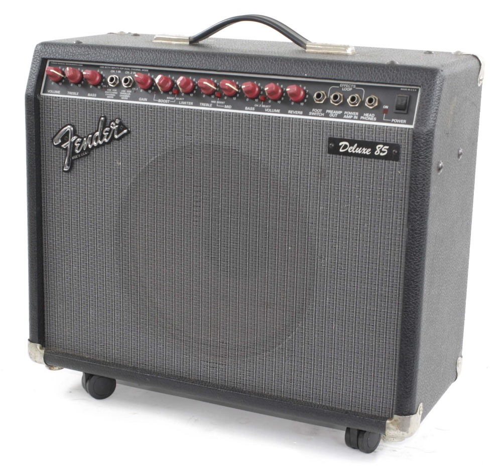 1992 Fender Deluxe 85 guitar amplifier, made in USA, ser. no. LO-60156