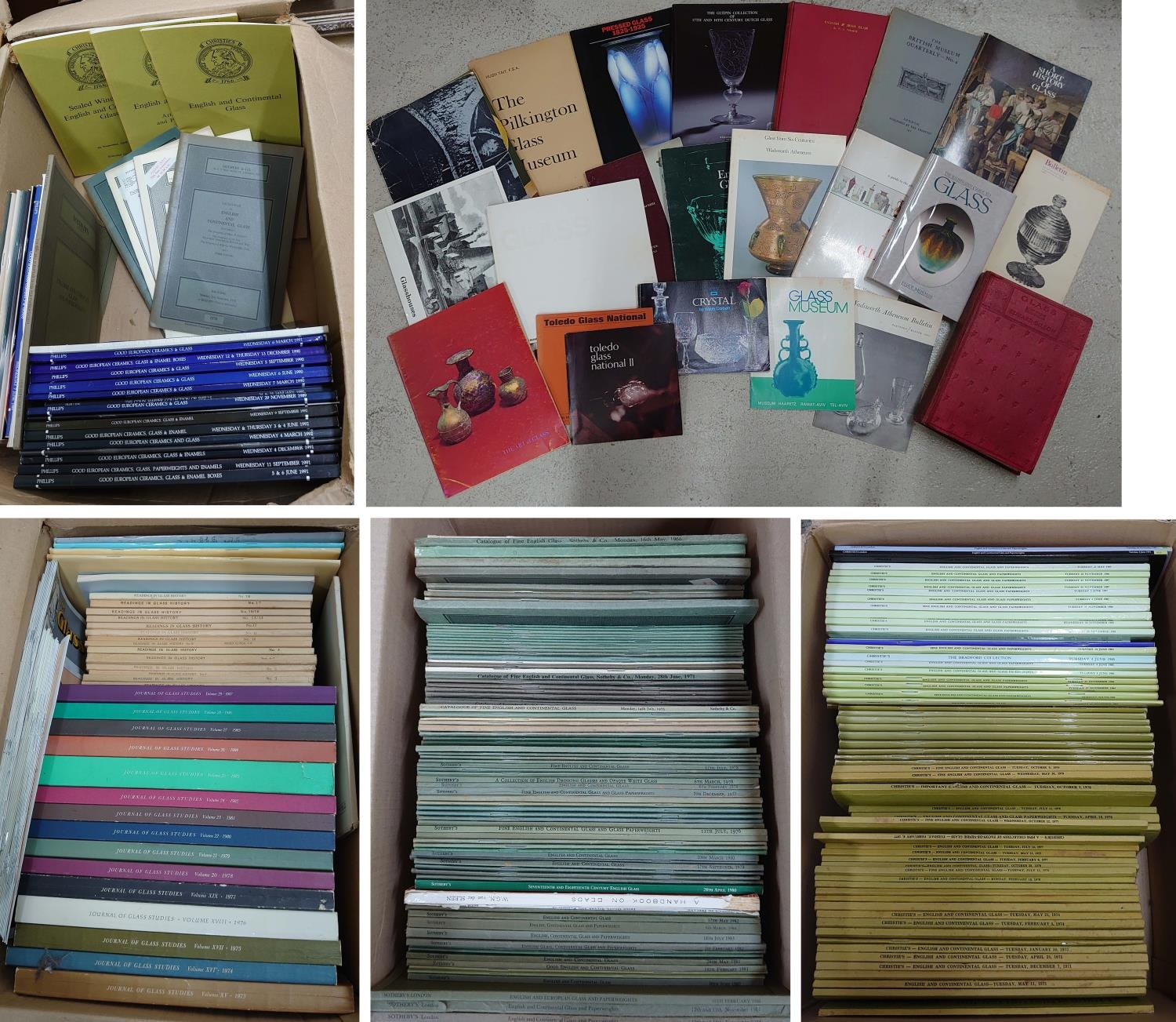 Large collection of auction saleroom catalogues including Sothebys, Christies and Phillips; together