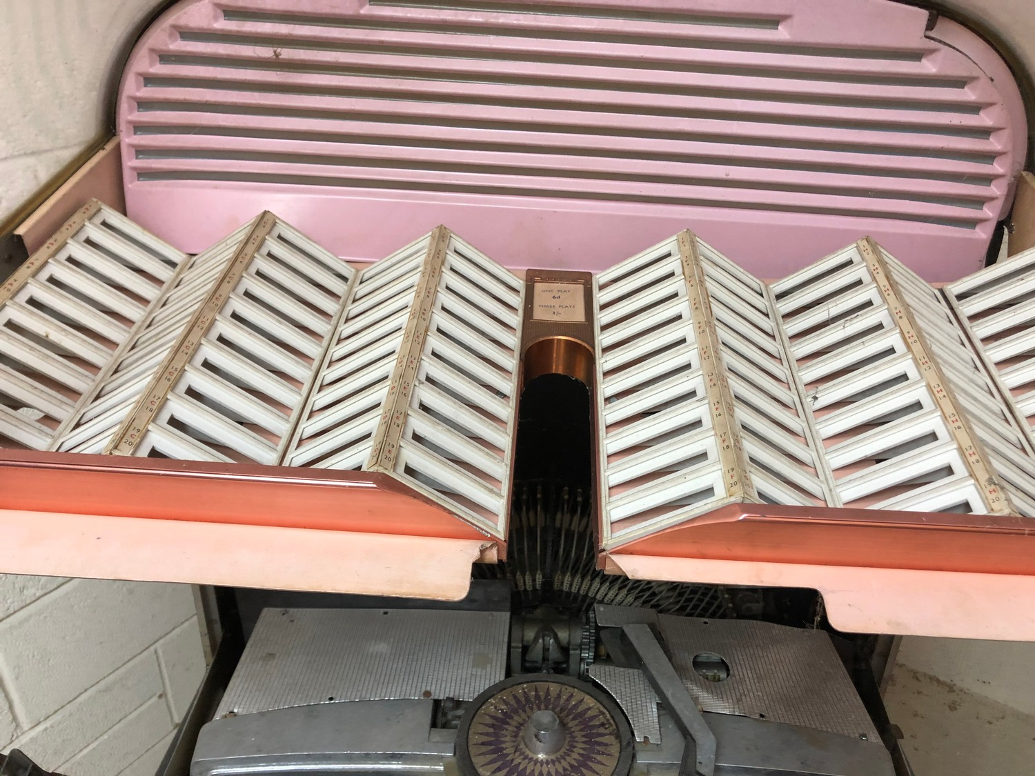 """Rare 1950s Bal-AMi 200 Jukebox in """"Barn Find"""" condition and in need of complete restoration, - Image 18 of 27"""