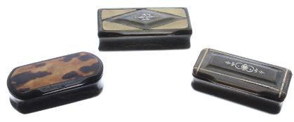 """Two 19th century horn snuff boxes, largest 3"""" x 1.5""""; together with a 19th century tortoiseshell"""