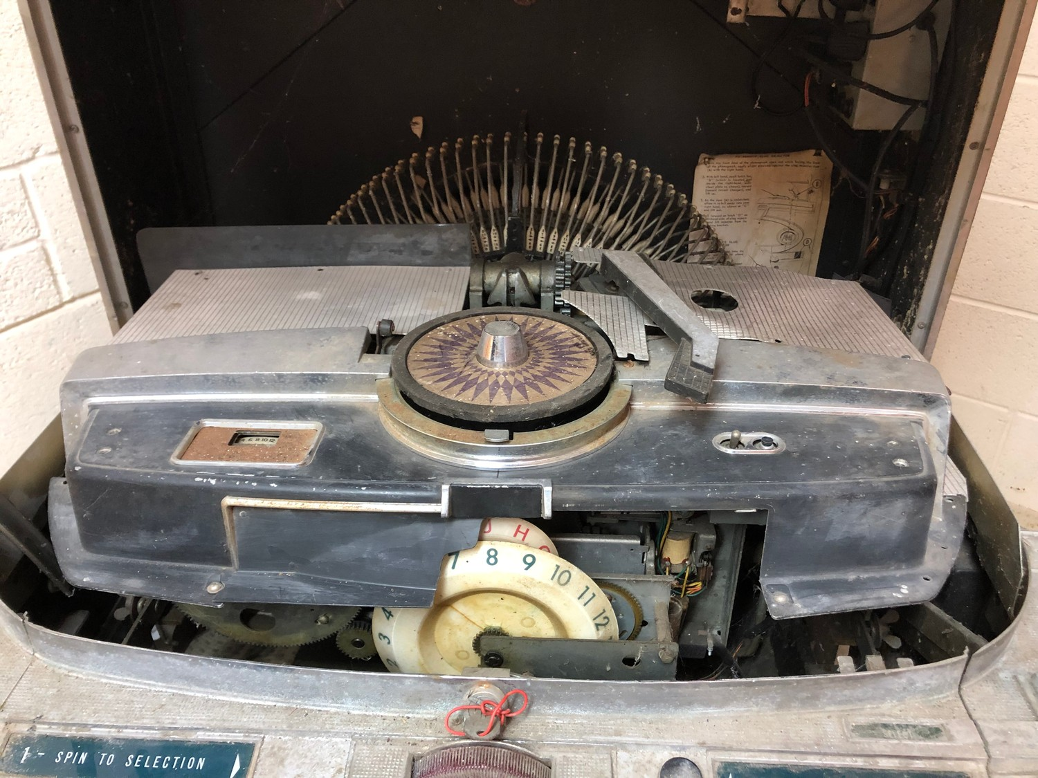 """Rare 1950s Bal-AMi 200 Jukebox in """"Barn Find"""" condition and in need of complete restoration, - Image 17 of 27"""
