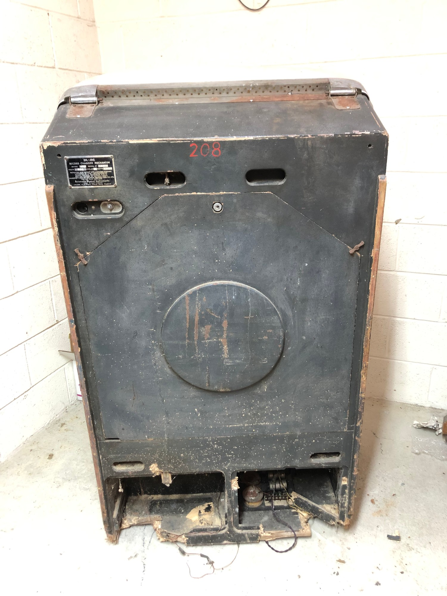 """Rare 1950s Bal-AMi 200 Jukebox in """"Barn Find"""" condition and in need of complete restoration, - Image 2 of 27"""