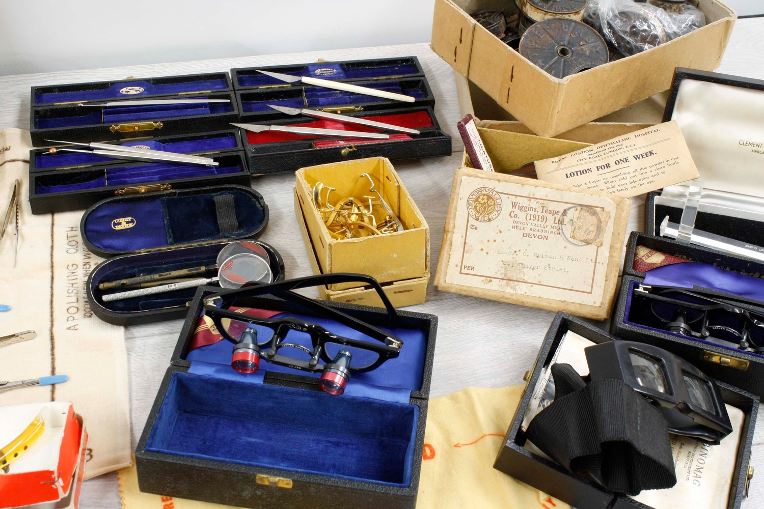 Collection of assorted opticians/medical instruments and apparatus including magnifying glasses, - Image 3 of 3