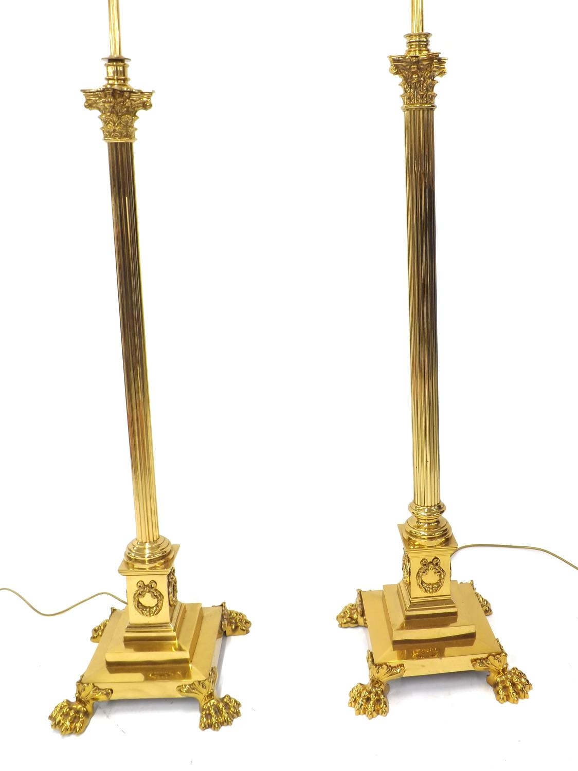 Matched pair of Corinthian column telescopic brass standard lamps with paw feet, with silk shades, - Image 3 of 5