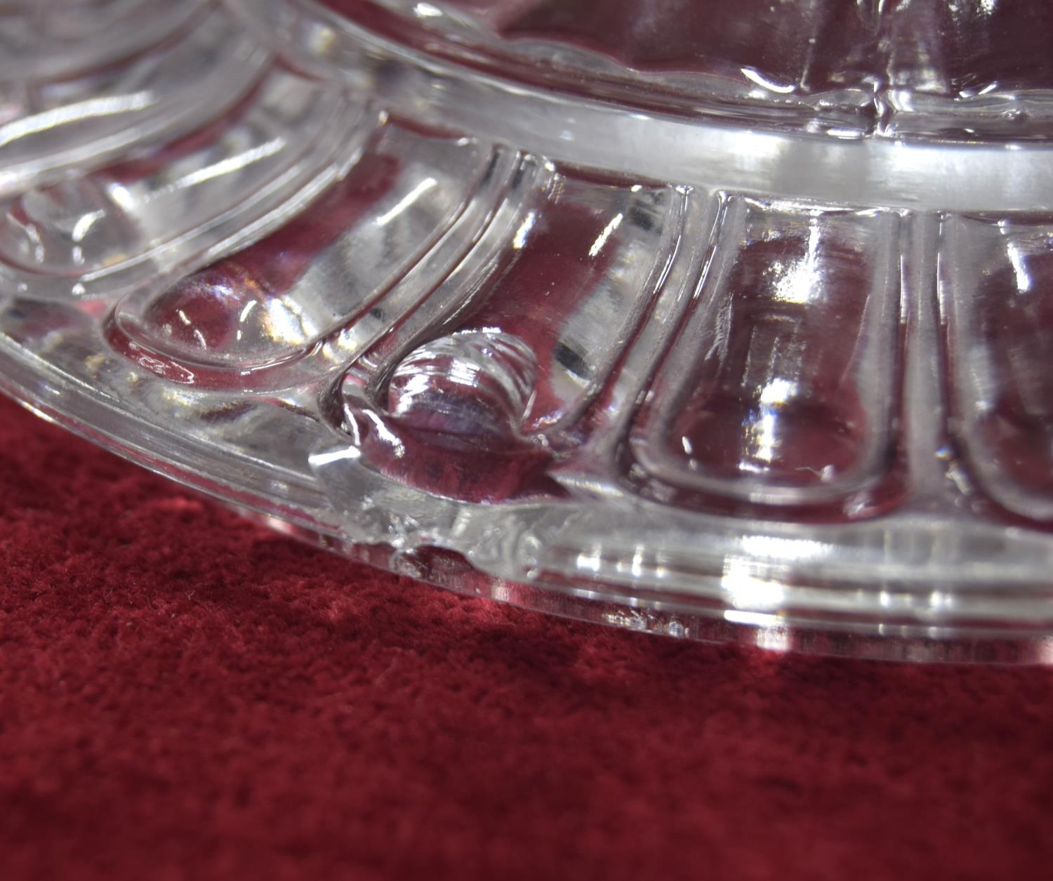 Baccarat clear and frosted glass bonbon dish and cover,with twin moulded elephant's head handles, - Image 3 of 3