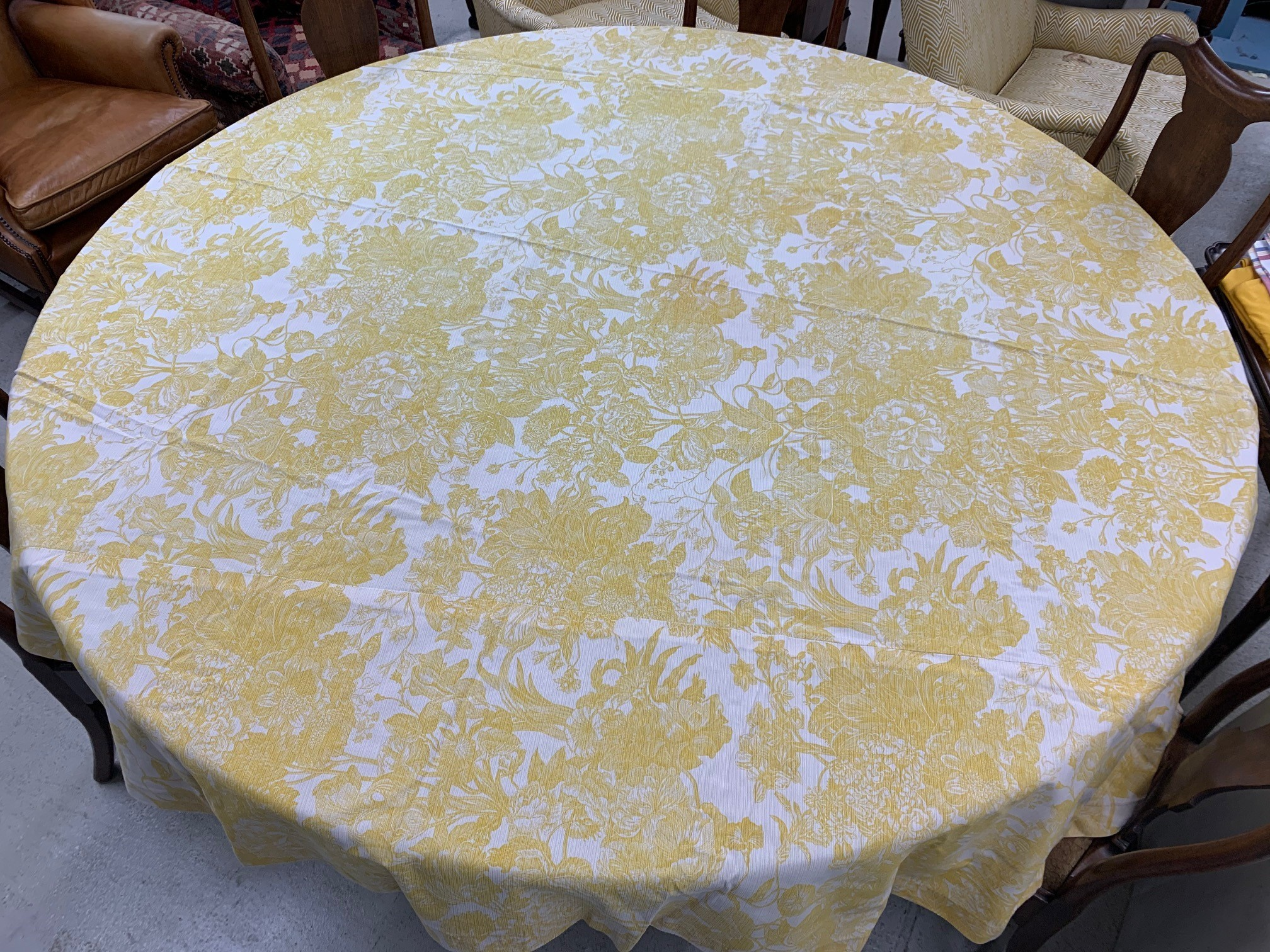 """Lined circular table cloth with yellow dragon designs, 84"""" diameter approx; with three other similar - Image 3 of 5"""