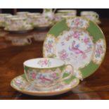 Mintons 'Green Cockatrice' pattern porcelain tea service, pattern 4863 (twelve setting)