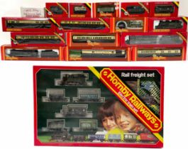 Hornby Railways 00 gauge scale model locomotives, carriages and rolling stock including R.759, R.