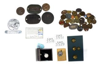 Large quantity of mainlyGreat Western Railway badges, tokens and medallions etc.; also a