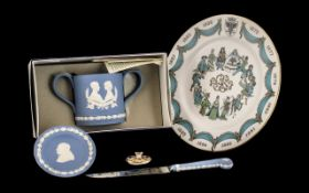 A Collection of Pottery to include a Royal Crown Derby Mini Tea Pot Lid 1128 Old Imari Pattern lid