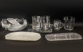 Ten Pieces of Assorted Glassware, compri
