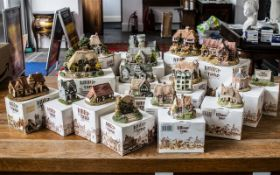 Collection of Lilliput Lane Cottages, Castles & Landmarks, all in original boxes,