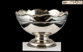 Goldsmiths and Silversmiths Co Superb Sterling Silver Footed Pedestal Bowl / Centrepiece.