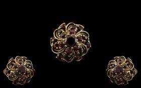 14ct Gold - Attractive Garnet Set Cluste