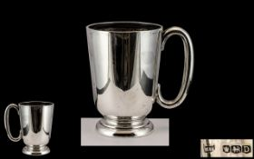 Walker & Hall Excellent Quality Sterling Silver Tankard of Plain Form,