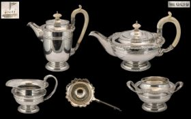 Walker & Hall Superb Quality Sterling Silver 5 Piece Tea Service of Excellent Design / Form, Heavy