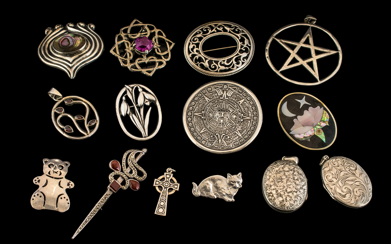 Excellent Collection of Antique and Vintage Sterling Silver Brooches, Lockets etc,
