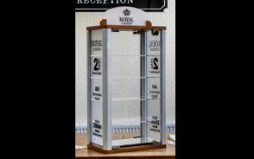 Royal London - Watch Shop Display Cabine