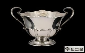Edwardian Period Good Quality Two Handled Trophy Shaped Bowl of pleasing proportions,