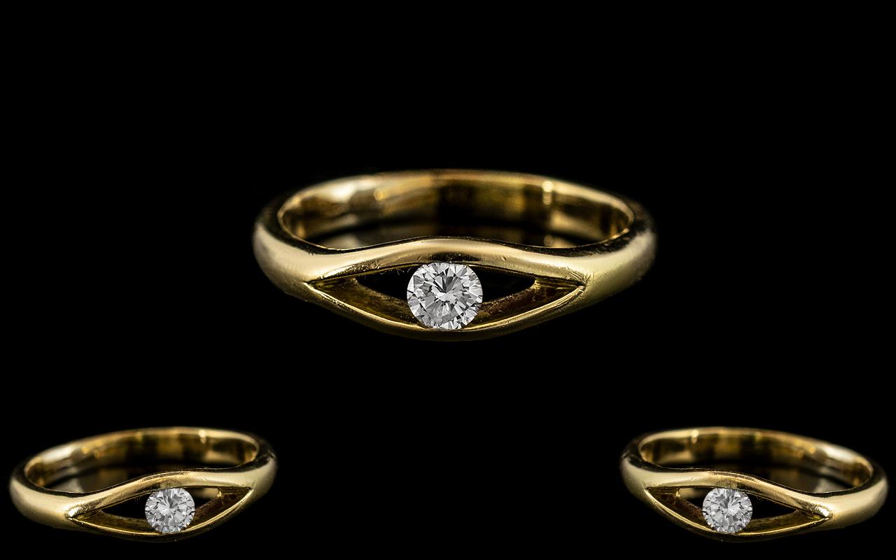 Contemporary Designed 18ct Gold Single Stone Diamond Set Ring. The Modern Round Brilliant Cut
