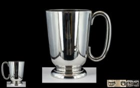 Walker and Hall Superb Quality Sterling Silver Tankard of Plain Form,