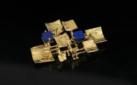 Contemporary Designed 15ct Gold Blue Lapis Lazuli Set Brooch. The Lapis Lazuli of Square Form and