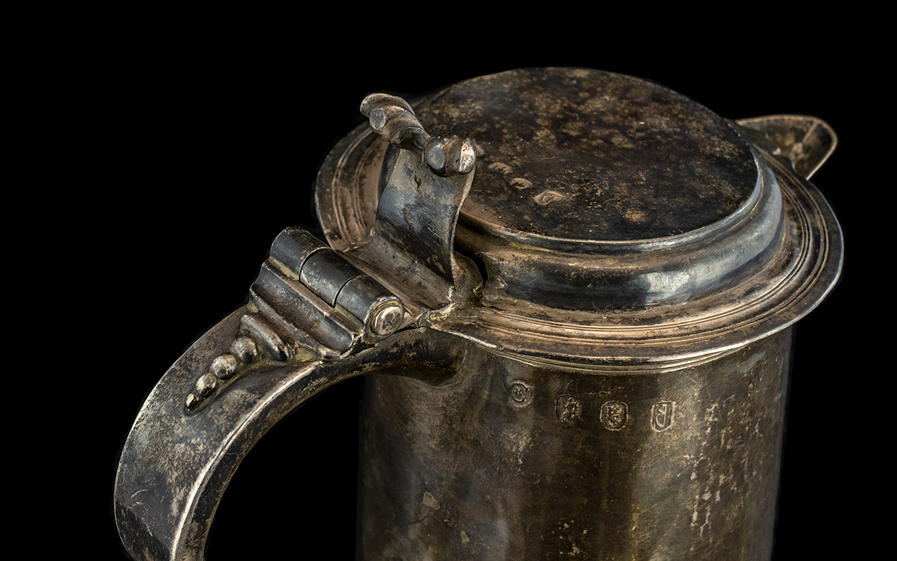 William III Silver Tankard By Richard Green, London 1697. Plain Tapering Cylindrical Body. Later - Image 3 of 5