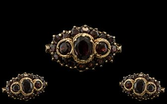 Ladies - Antique Period 9ct Gold Garnet Set Ring, Excellent Setting. The Garnets of Rich Red Colour.