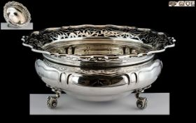 Goldsmiths and Silversmiths Co - Superb Quality and Impressive Sterling Silver Ornate Footed Bowl