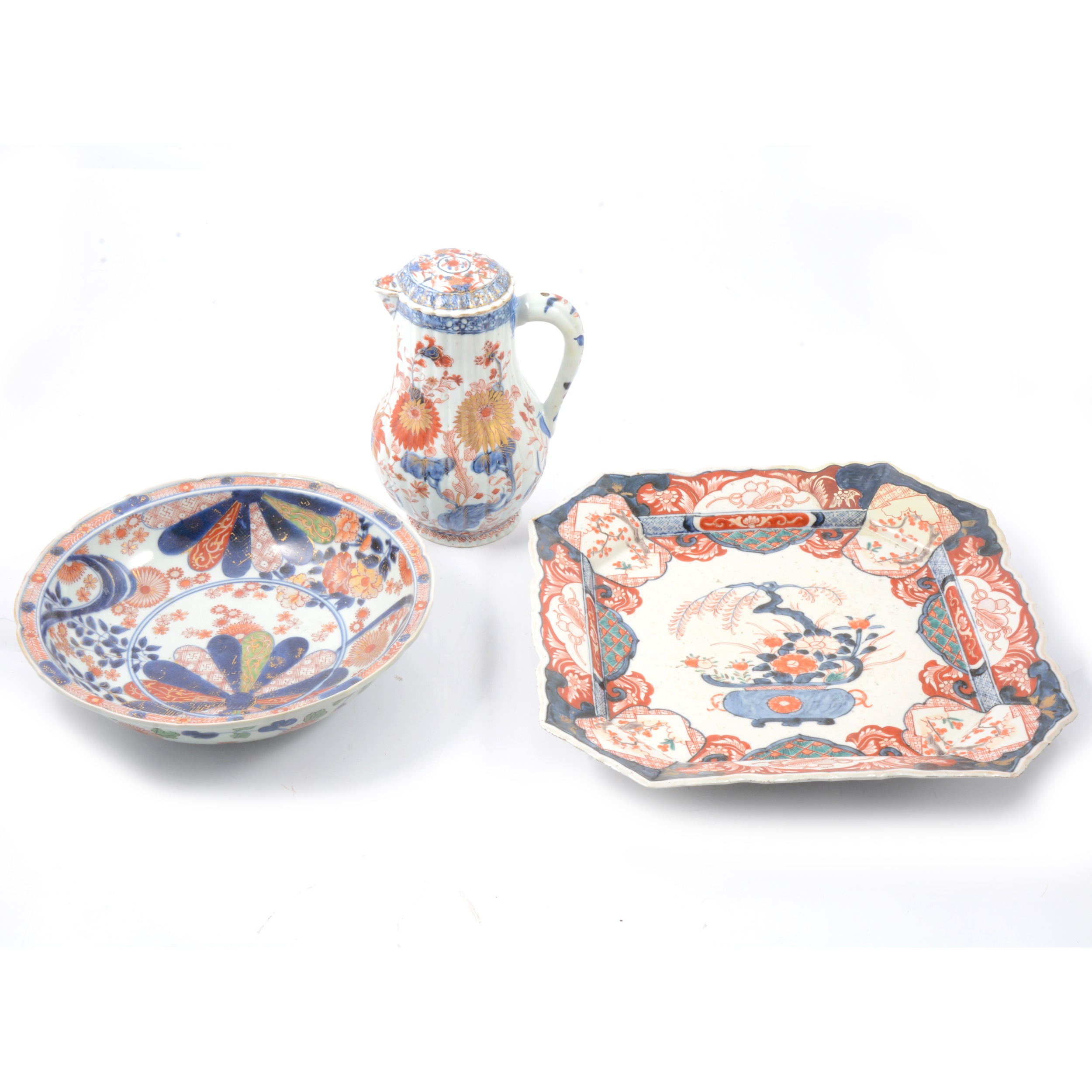 Imari pattern charger, bowl and ewer.