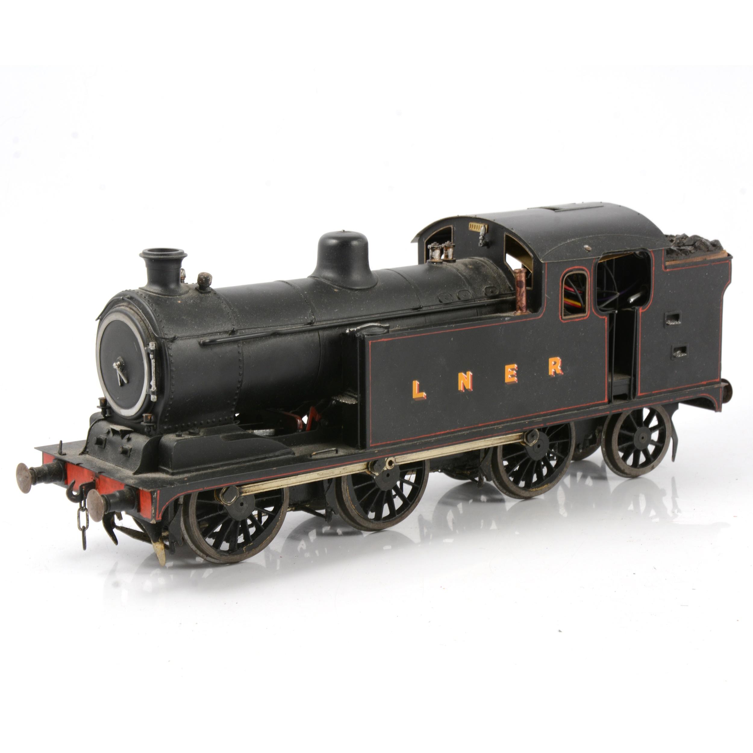 A well-built electric gauge 1 / G scale, 45mm locomotive, LNER 0-6-2 tank engine