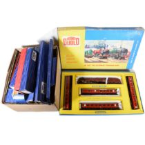 Hornby Dublo OO gauge model railway set 2023, coaches and track.