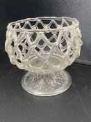 A honeycomb moulded fruit bowl, 19th/20th century, 17.5cm diameterCONDITION: Good condition