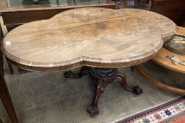 A Victorian shaped oval rosewood loo table, width 150cm depth 98cm height 72cm