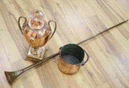 A Victorian copper measure, a coaching horn and a samovar