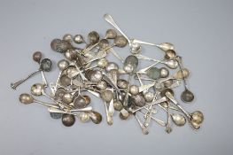 Approximately sixty seven assorted 20th century condiment spoons, gross 9oz.