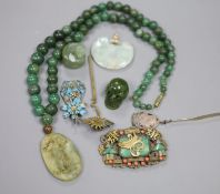 A Chinese jade necklace and jewellery