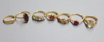 Seven assorted rings, including George V 18ct gold, opal and diamond five stone ring, size L,