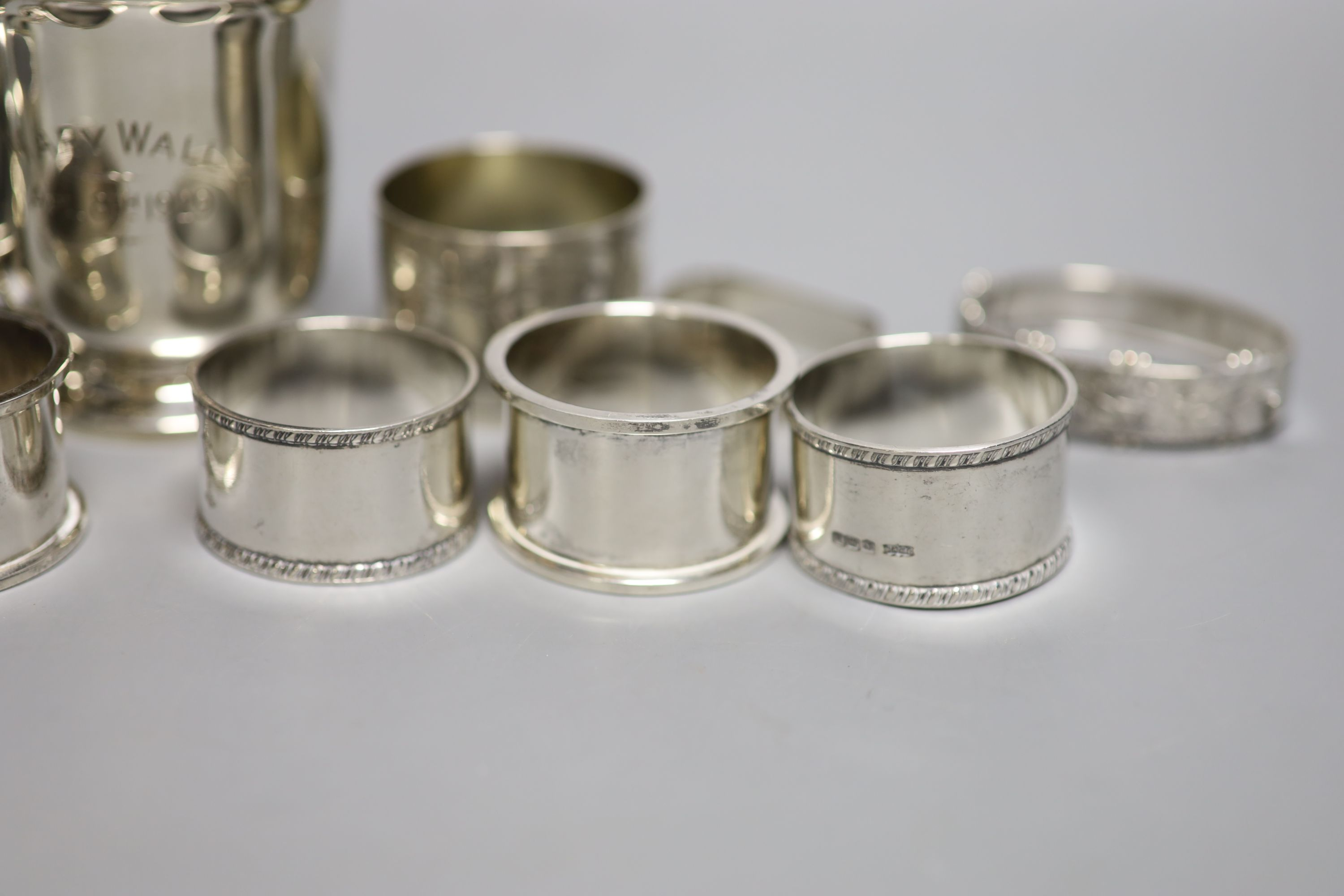 Small silver including a 1930's christening mug, a silver trinket box, five silver napkin rings, a - Image 2 of 6