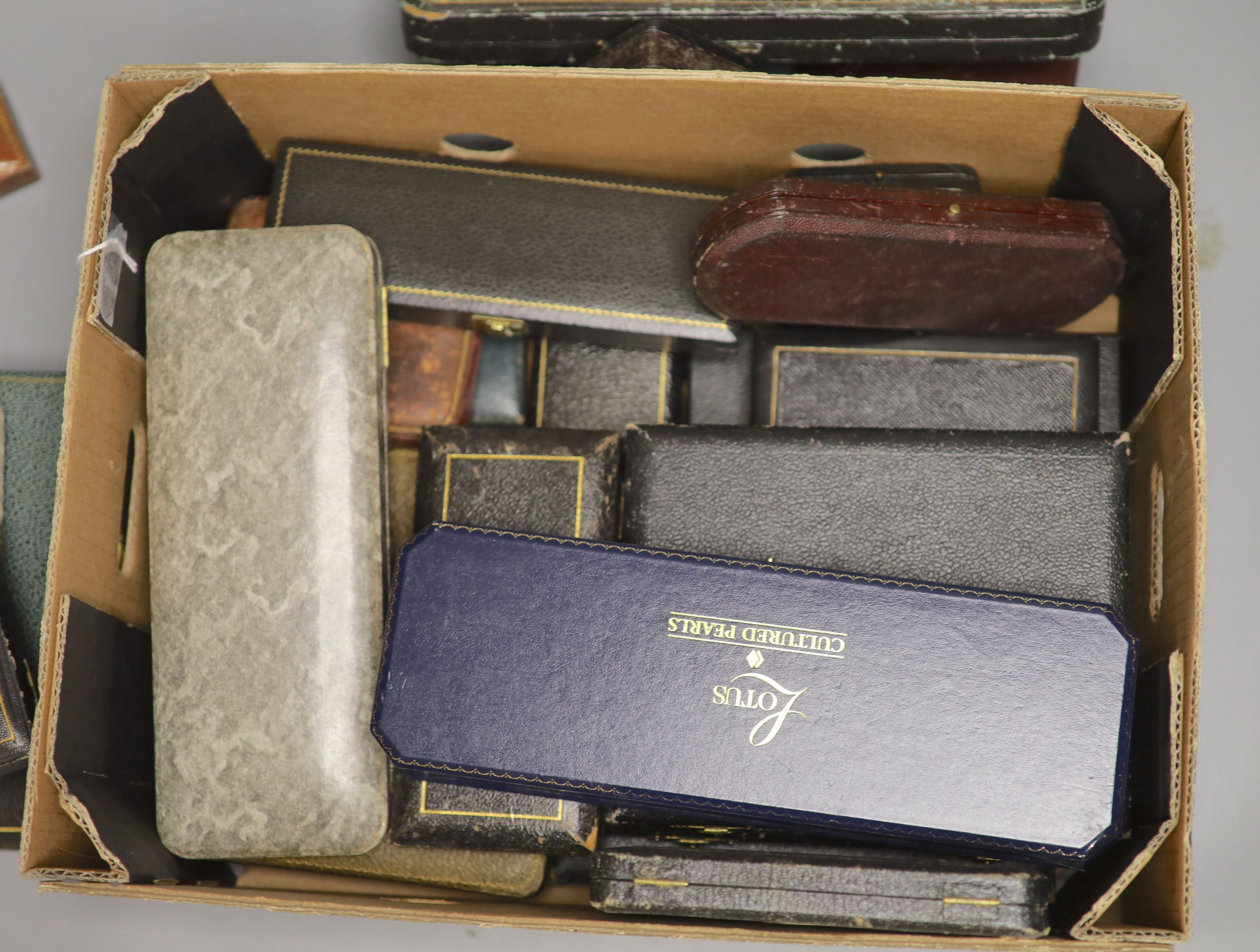 Twenty assorted jewellery and cutlery boxes including a gilt tooled leather box by Mappin & Webb. - Image 2 of 2