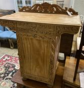 A 19th century colonial satinwood pedestal side table, width 75cm, depth 40cm, height 87cm