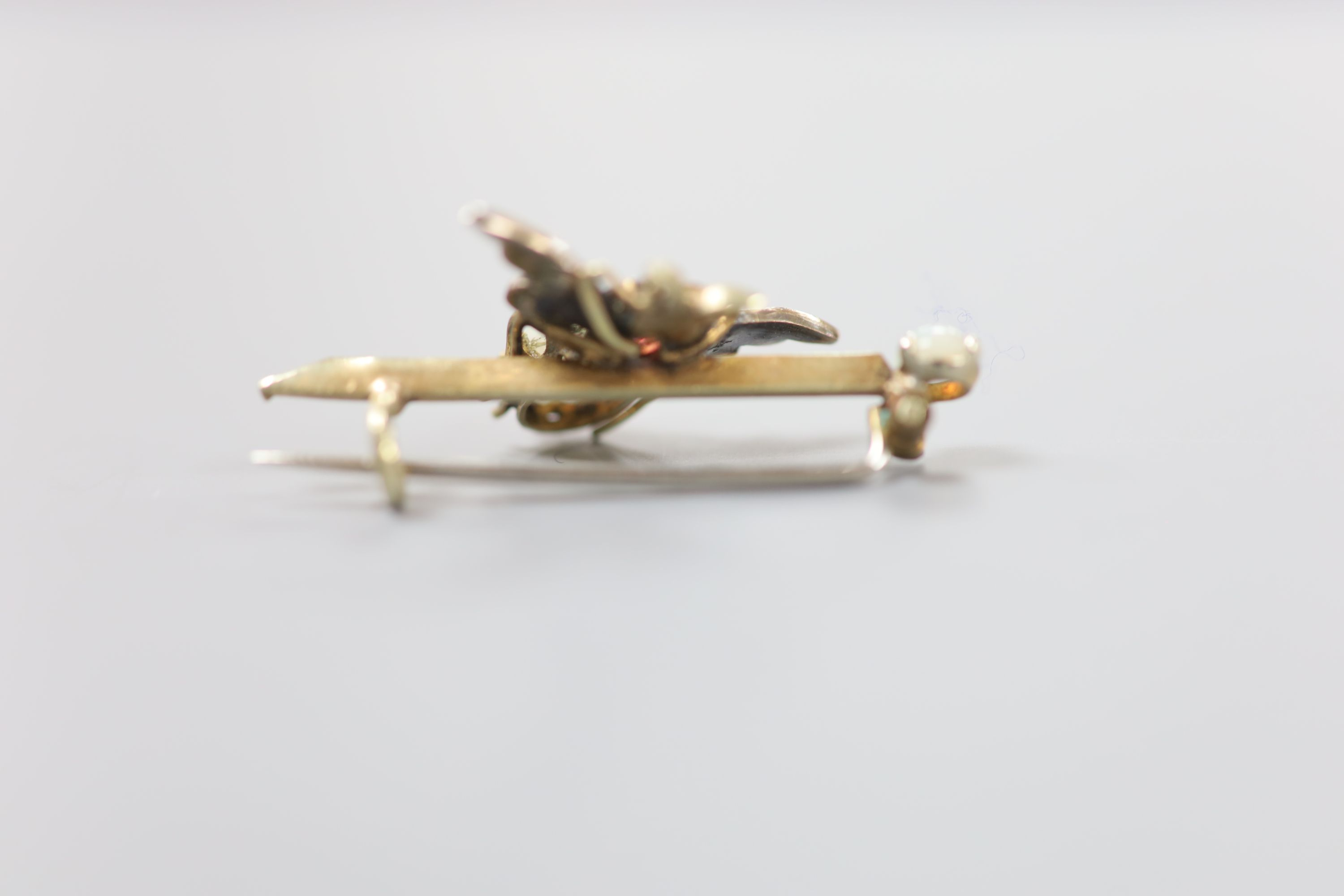 A Victorian yellow and white metal, white opal, garnet and seed pearl set bug brooch, 37mm, gross - Image 2 of 5